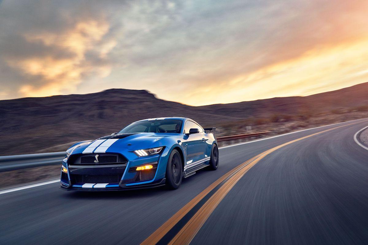 Name:  2020-GT500-vs-Camaro-ZL1-vs-Challenger-Hellcat-Redeye-8.jpg Views: 4100 Size:  97.0 KB