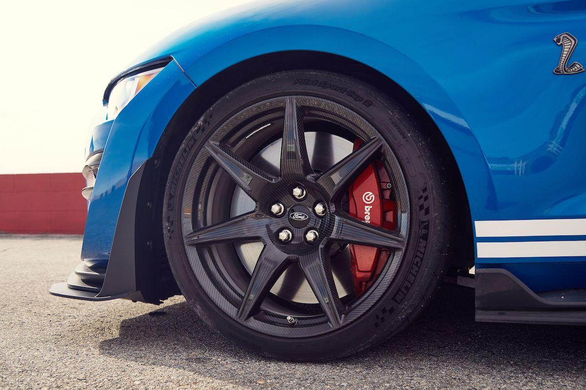 Name:  2020-GT500-vs-Camaro-ZL1-vs-Challenger-Hellcat-Redeye-10.jpg Views: 4120 Size:  151.1 KB