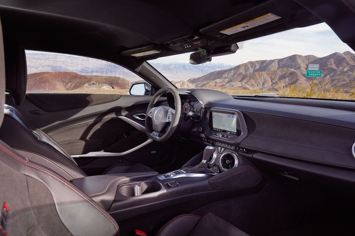 Name:  2020-GT500-vs-Camaro-ZL1-vs-Challenger-Hellcat-Redeye-15.jpg Views: 4096 Size:  125.8 KB