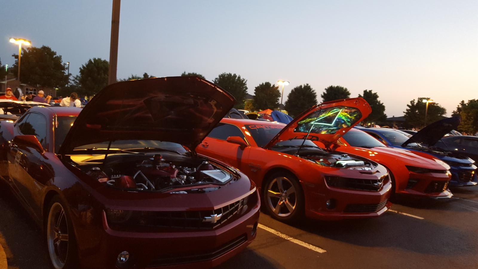 Name:  Fest parking lot party 004.jpg Views: 1460 Size:  127.4 KB