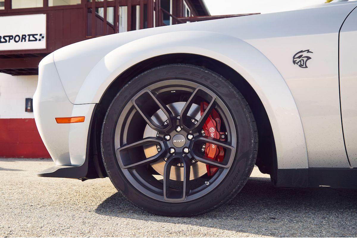 Name:  2020-GT500-vs-Camaro-ZL1-vs-Challenger-Hellcat-Redeye-6.jpg Views: 3926 Size:  159.3 KB