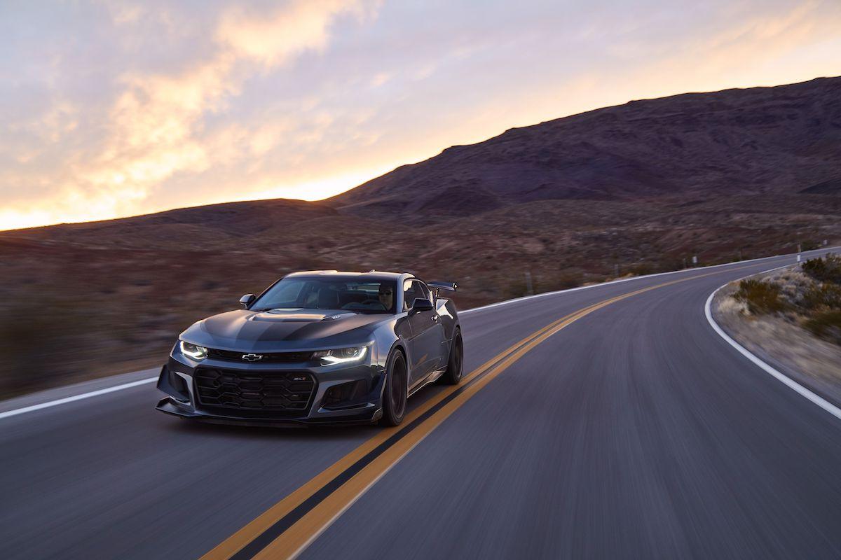Name:  2020-GT500-vs-Camaro-ZL1-vs-Challenger-Hellcat-Redeye-12.jpg Views: 3881 Size:  87.5 KB