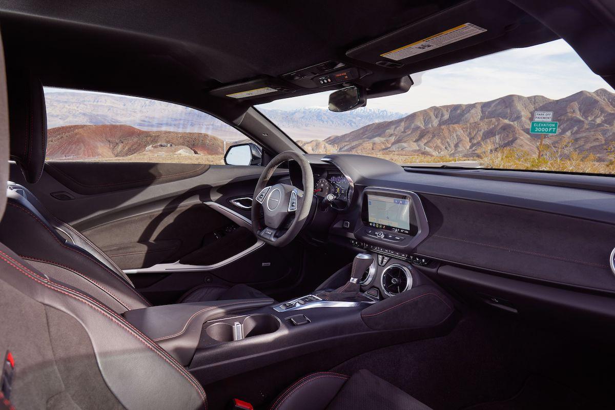 Name:  2020-GT500-vs-Camaro-ZL1-vs-Challenger-Hellcat-Redeye-15.jpg Views: 3637 Size:  125.8 KB