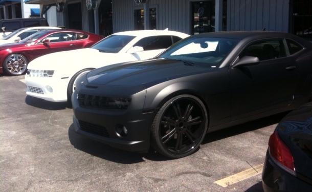 Matte White And Matte Black Camaros Spotted Camaro Zl1