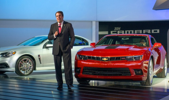 2014-Chevrolet-Camaro-SS-introduced-by-Mark-Reuss
