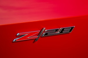 2015-Chevrolet-Camaro-Z28-badge